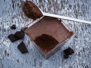 Découvrez la mousse au chocolat aux baies de Sansho
