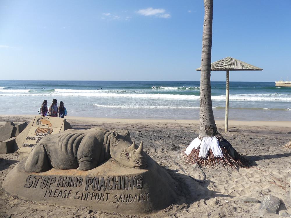 Artiste engagé sur la plage de Durban
