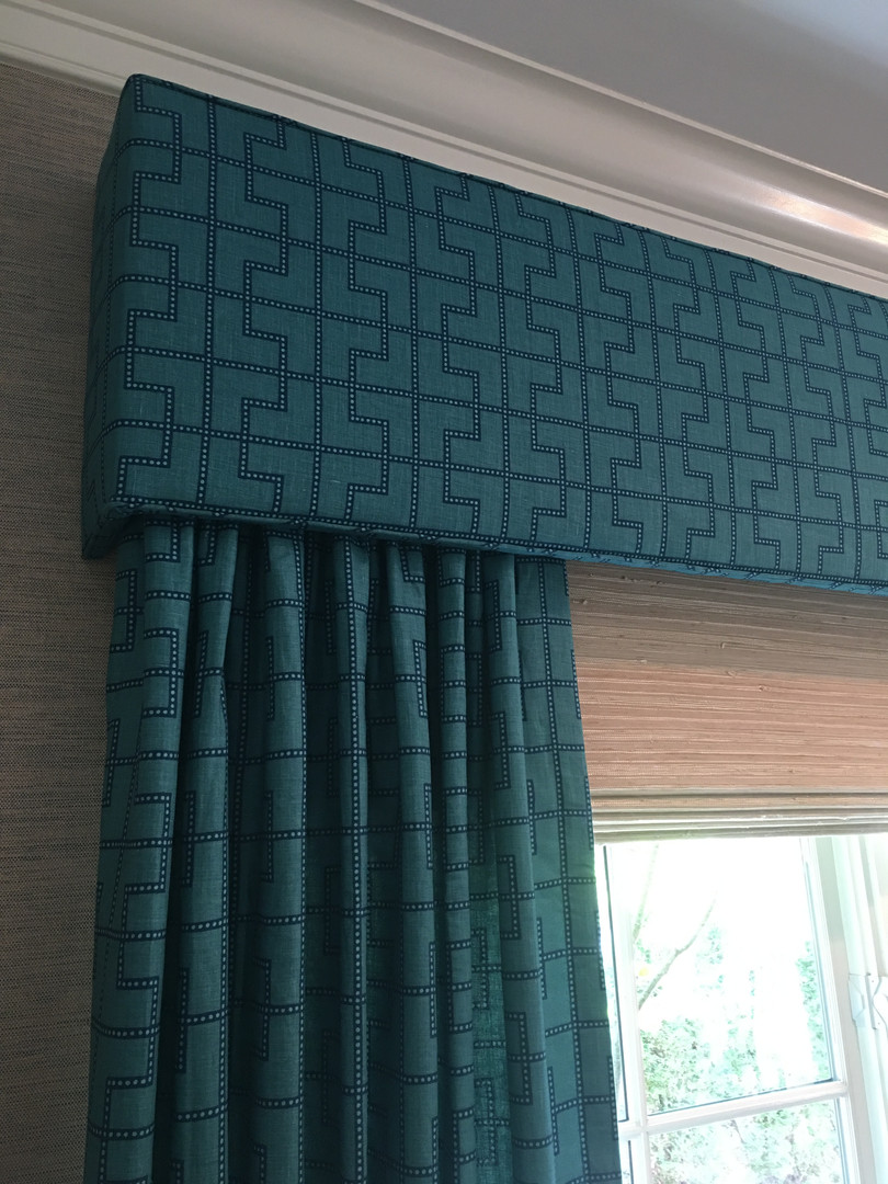 Hard cornice with panels