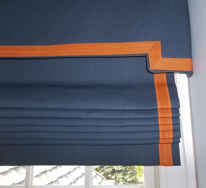 working roman with attached valance