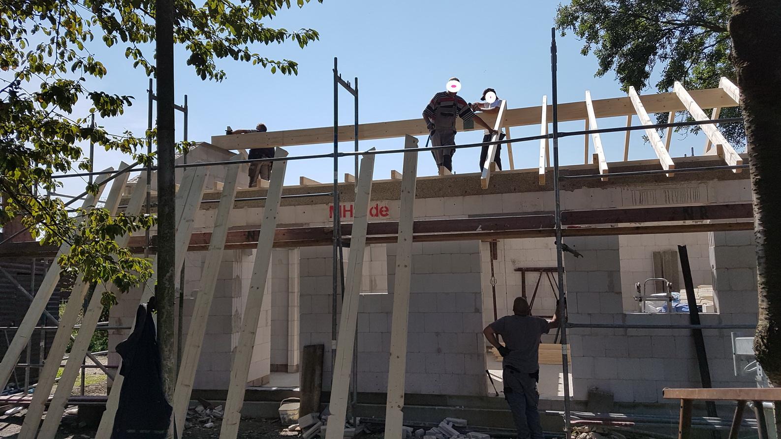 20170823_124715 Dachstuhl aufstellen a