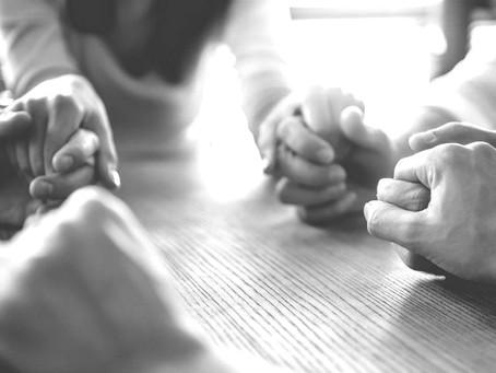 God Invites Us To Pray