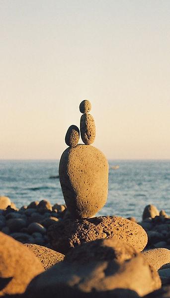 Opleiding Familieopstellingen: de grote leerervaring voor een nieuwe balans net zoals de stenen