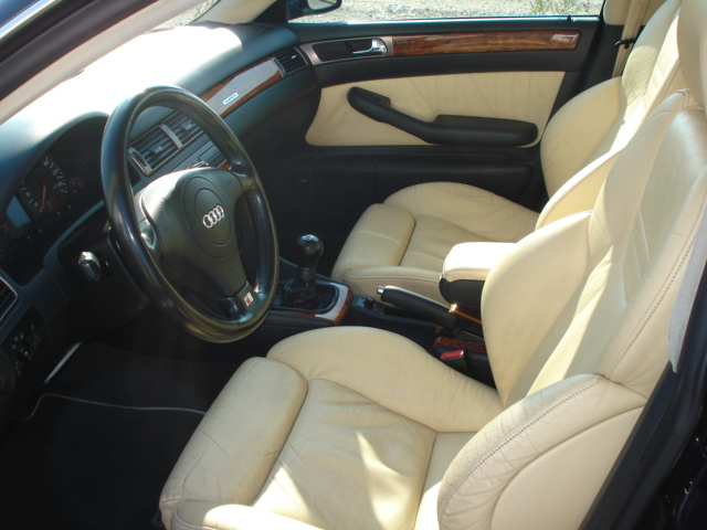 Audi_A6_break_interieur_3