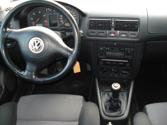 VW_golf_interieur