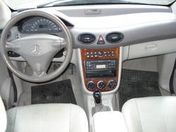 Mercedes_A190_inter
