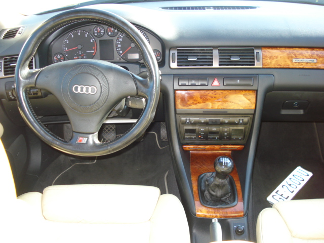 Audi_A6_break_interieur