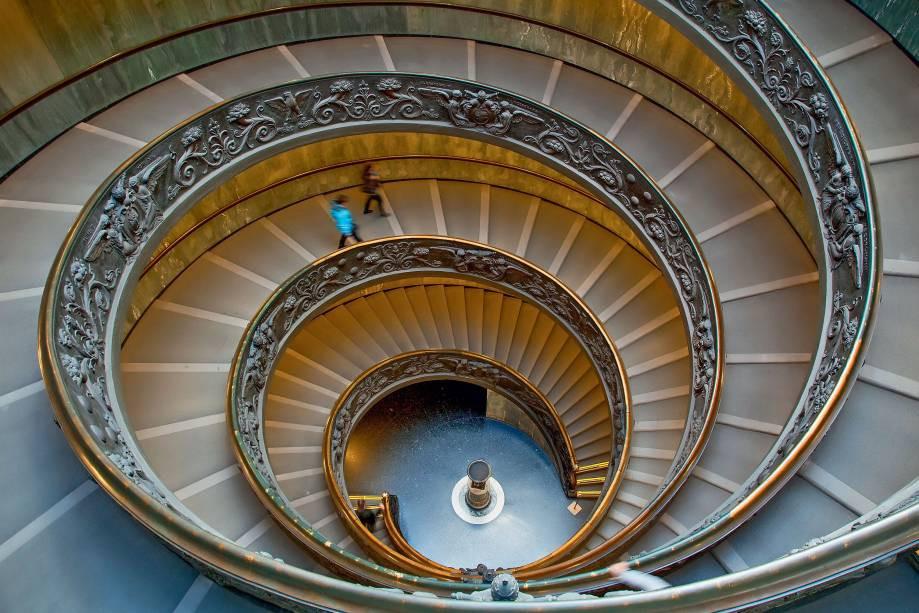 foto da escada de guiseppe momo no vaticano