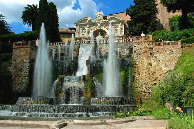 foto de fonte de agua na vila d'este em tivoli italia