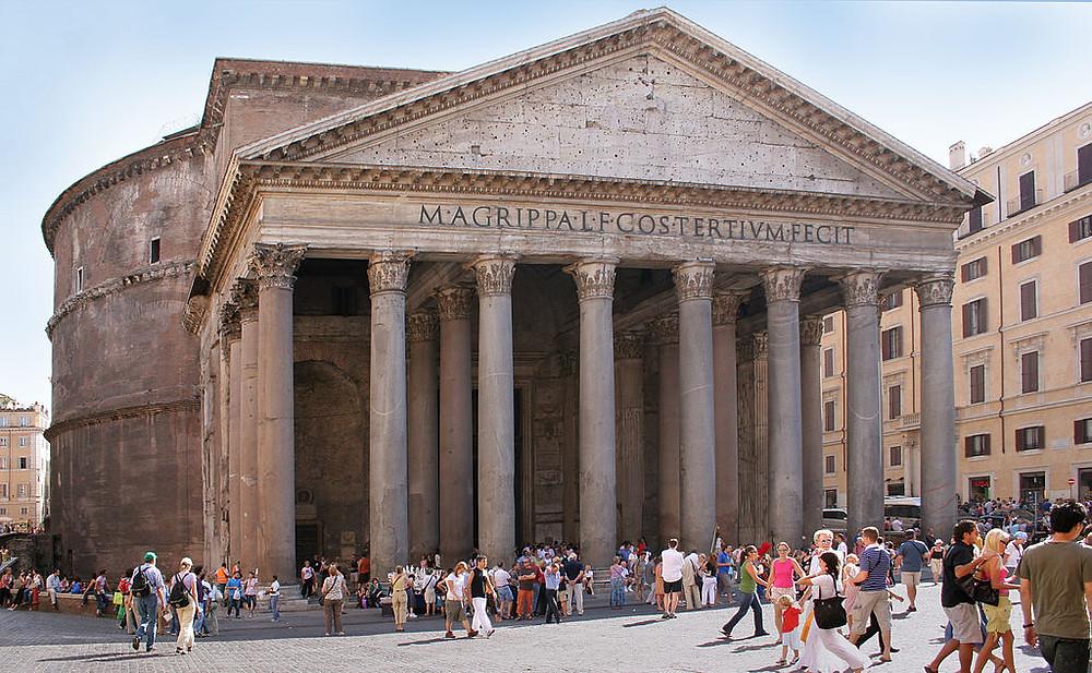 entrada do pantheon em roma