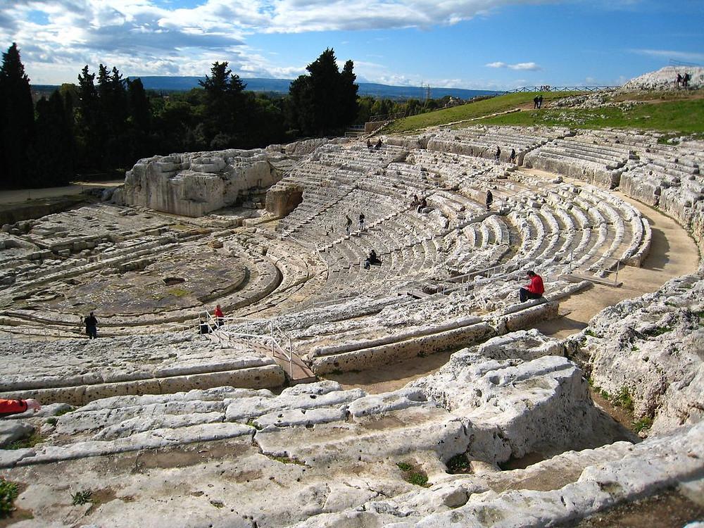 Teatro grego de Saturnia, escavado na propria rocha