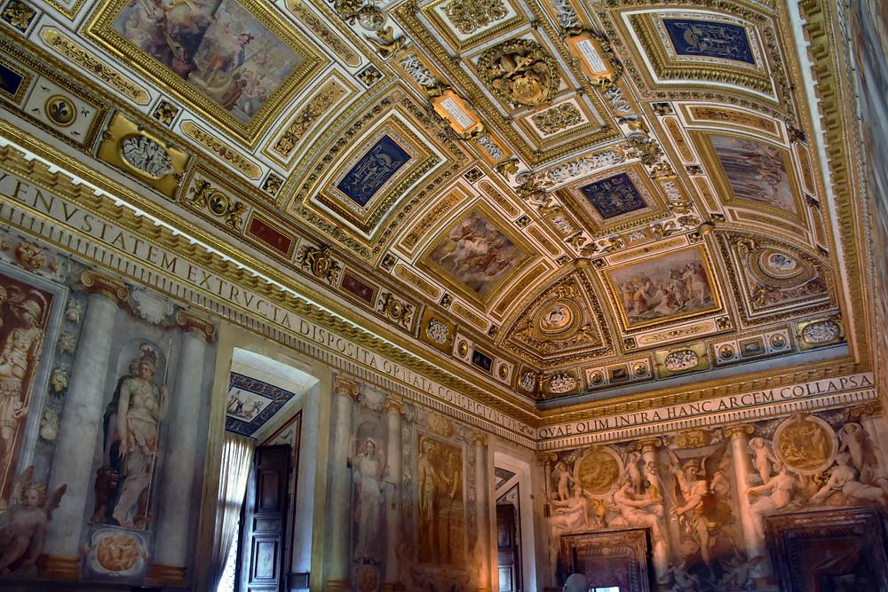foto interna do casteloa san angelo em roma