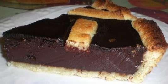 foto de um torta típica italiana, feita com sangue de porco, o sanguinaccio