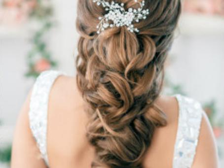 Hochzeitsglocken: Die schönsten Hochzeitsfrisuren