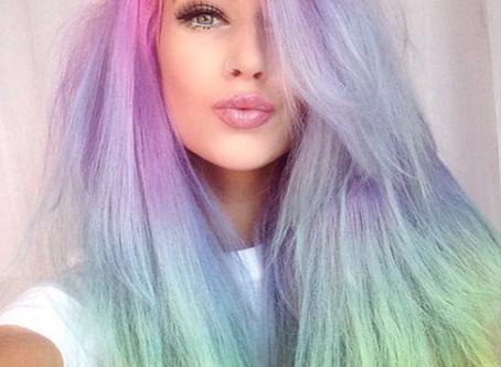 Regenbogen-Haar in Pastelltönen wird immer beliebter