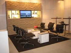 Swiss Steinwand Flughafen Lounge