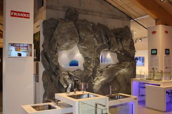 Kunstfelsen FRANKE Umweltarena.jpg