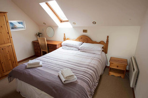 KM_Pines Master bedroom 10 Aug-18-9581.j