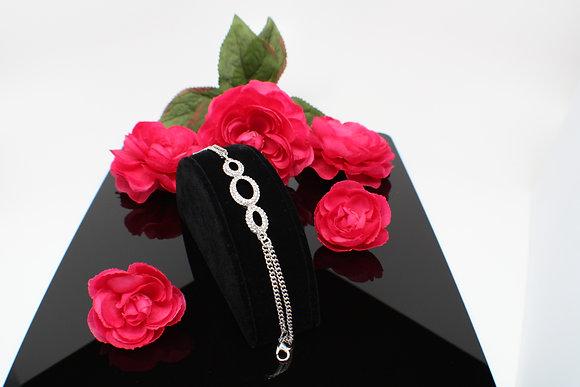 Timelessly Metropolitan White Rhinestones Bracelet