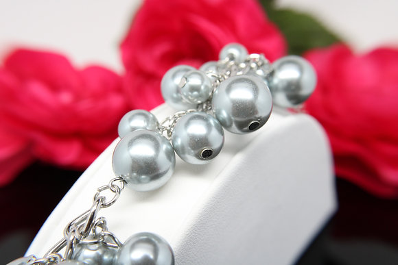 Girls in Pearls - Silver