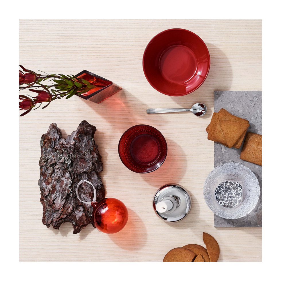 The item matches well with the other Iittala products, as well as separately.