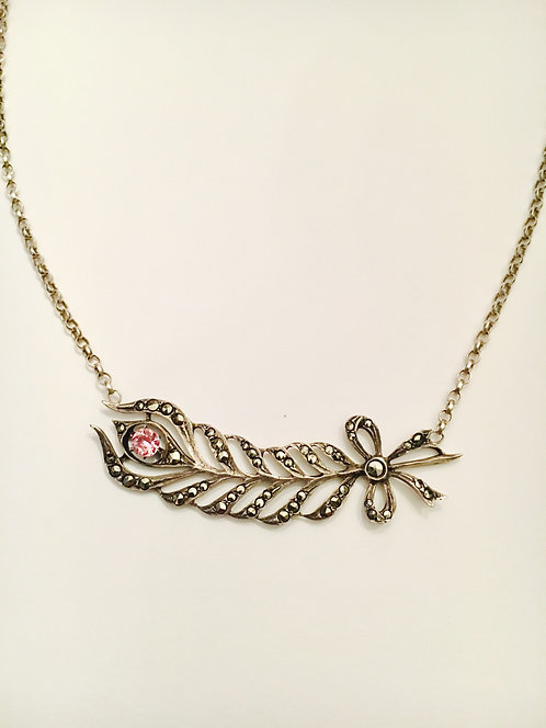 Titillating Vintage 'Feather' Necklace