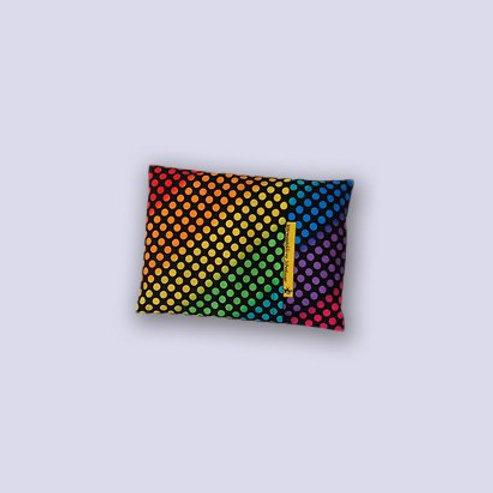 Baby Traubenkernkissen mit farbigem Disco Muster