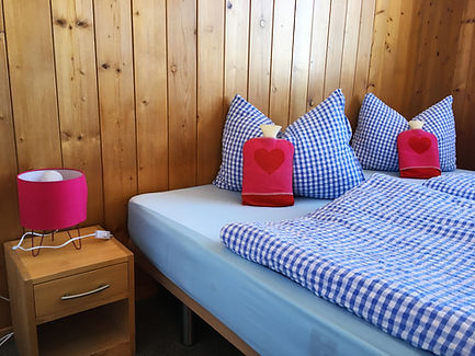 Hotelzimmer im Berggasthaus Salwideli in der Schweiz