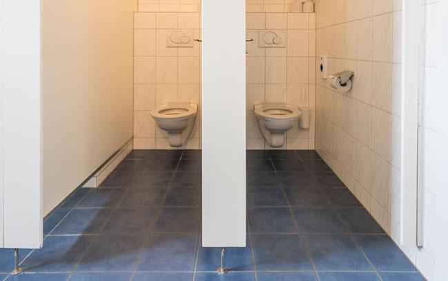 Toiletten-Anlage im Lagerhaus Salwideli