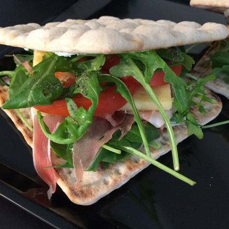 Polarbread filled with Västerbotten Cheese, Parma Ham and Rucola