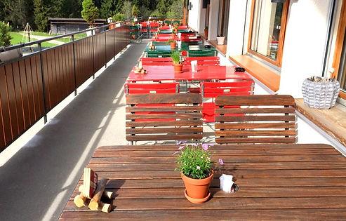 Terrasse im Restaurant Salwideli in Sörenberg