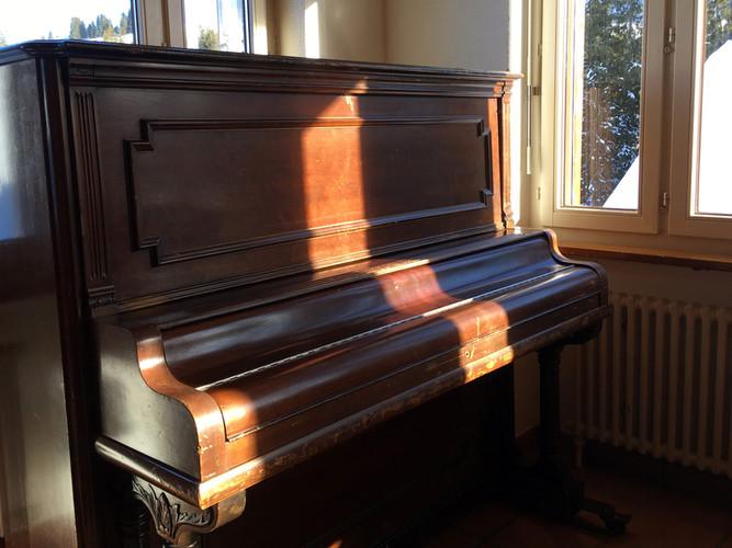 Klavier im grossen Aufenthaltsraum