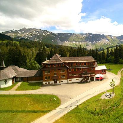 Lagerhaus Salwideli mit Massenlager in Luzern