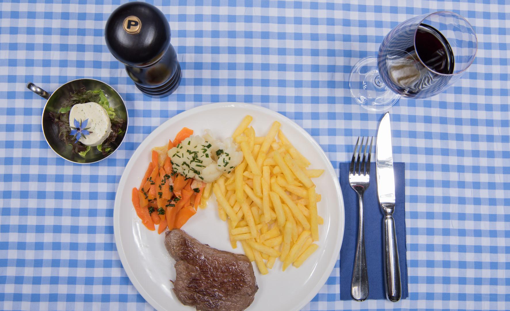 "Rindshuft/Entrecôte Natura Beef"" vom Grill"