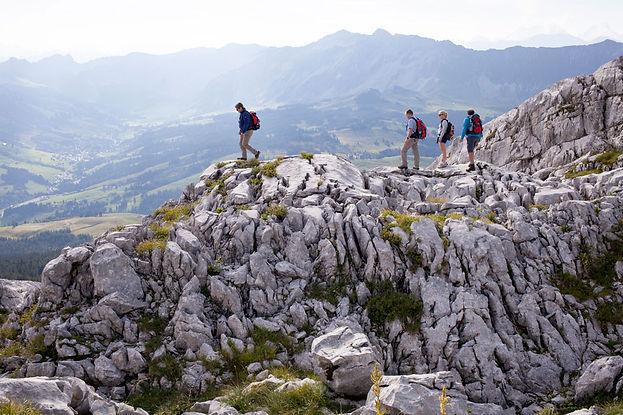 Wandern im Karstgebirge, Schrattenfluh ab Berggasthaus Salwideli