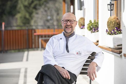 Gastgeber Ernst Wegmüller im Restaurant Salwideli im Entlebuch