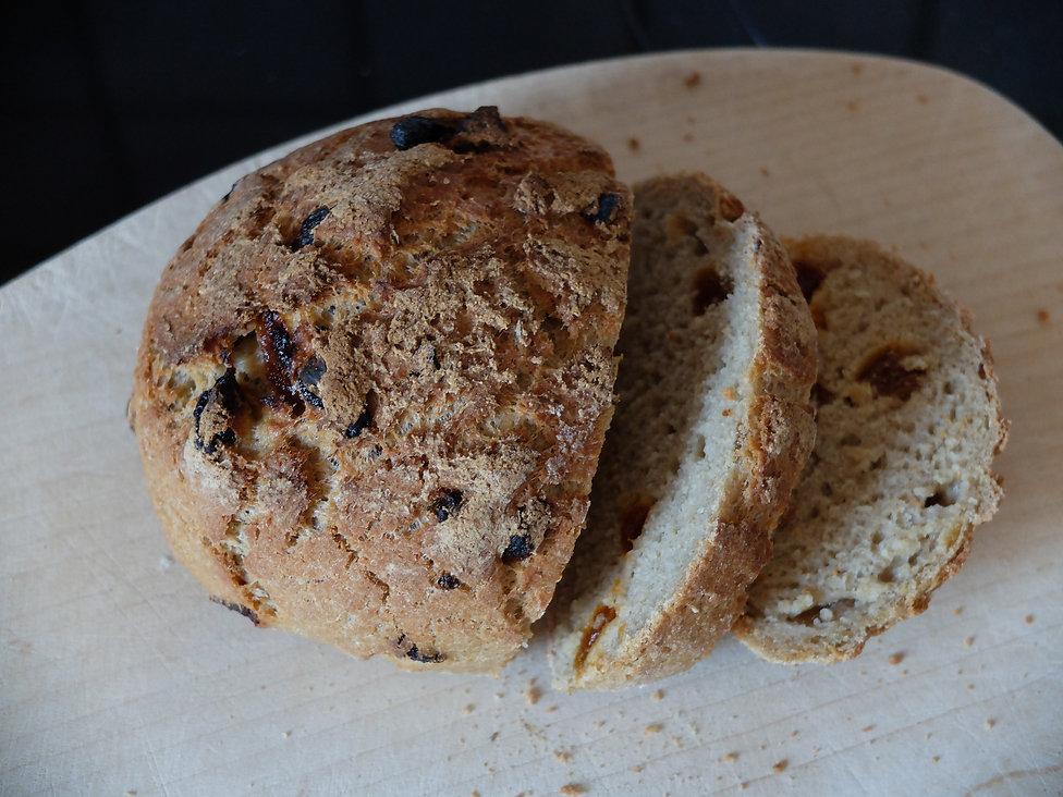 Glutenfrei vegan Bakery Thymian Aprikose Brot