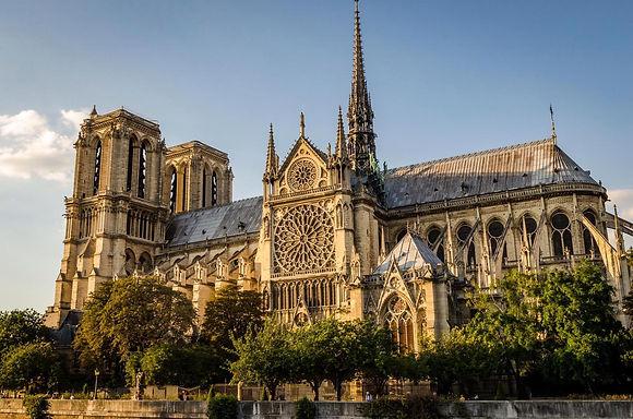 собор парижской богоматери.jpg