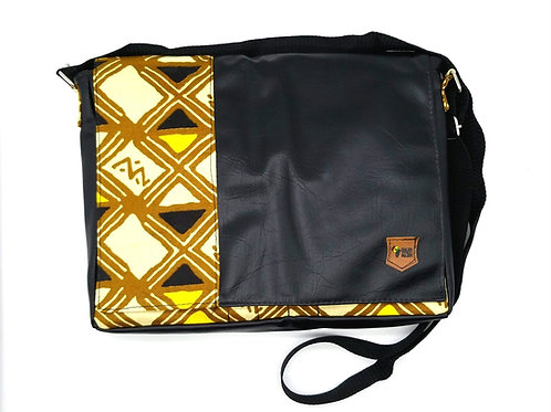 M3ni Yaa No Messenger Bag