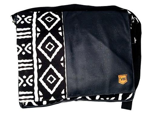 Winneba Messenger Bag