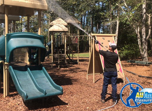 Choosing A Pressure Washing Company For Your Community