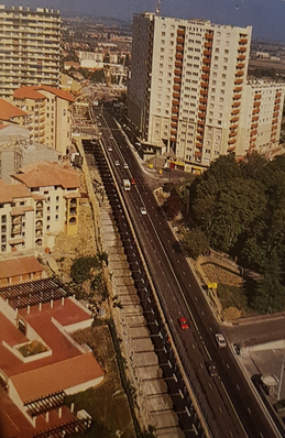 Creusement de la tranchée couverte en direction de la station « Jolimont »