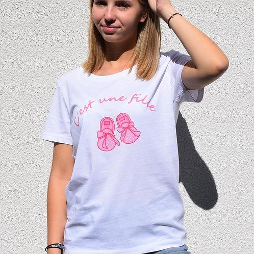 Tee-shirt blanc femme en coton bio/grossesse/c'est une fille/aperçu recto/mode éthique/dreamshirtfactory