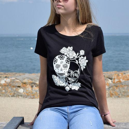 Tee shirt noir Femme en coton bio/Têtes de mort/aperçu recto/mode éthique/dreamshirtfactory