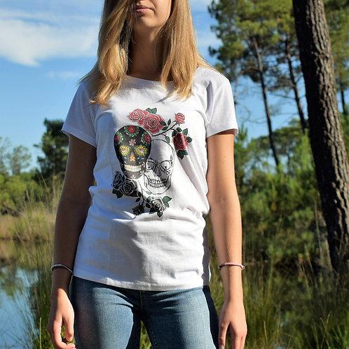 Tee shirt blanc Femme en coton bio/Têtes de mort/aperçu recto/mode éthique/dreamshirtfactory