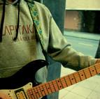 Sudadera eta gitarra