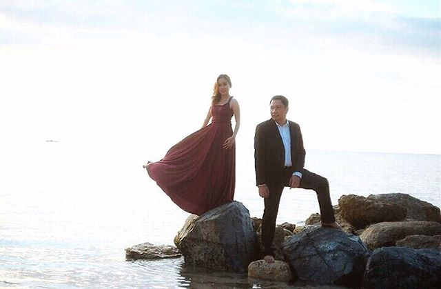 Beautiful bride-to-be _mari_an2net wearing our infinity dress in wine red on her prenup sesh! 😍Than