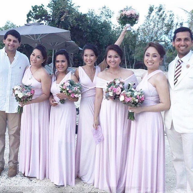 Blushing bridesmaids in our custom infinity gowns 😍😍😍 thank you _dimpleclaud for this picture! (P