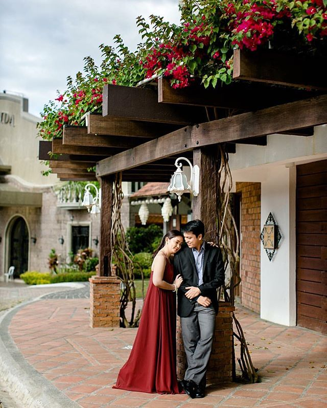 We are just in love with this prenup photo of _hides_md wearing our Faye dress in wine red 😍 (photo