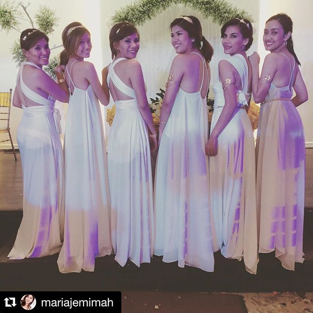 Pretty bridesmaids in white! ❤️ (One of our fave wedding theme colors, so unique & elegant!!😍) than